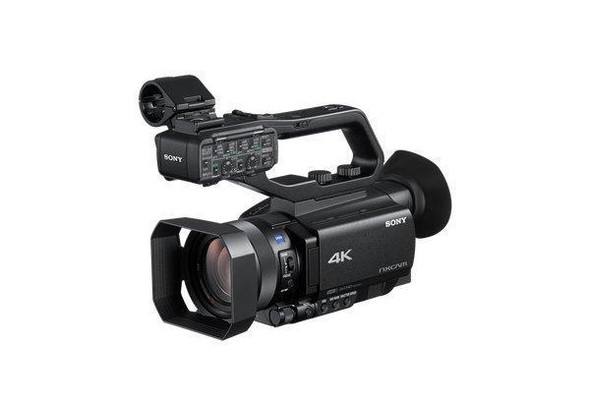Sony NXCAM HXR-NX80 - Camcorder - 4K / 30 fps - 20.0 MP - 12x optical zoom - Carl Zeiss - flash card - Wi-Fi,NFC