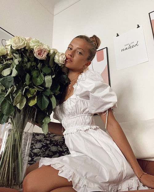 Boho Inspired puff sleeve mini Sexy white party dress ruffle summer dress square neck elastic bust super chic women dress new
