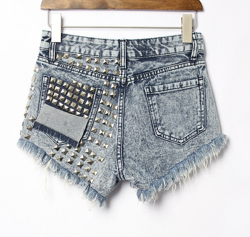 STUDED SHORT JEANS (WASH)