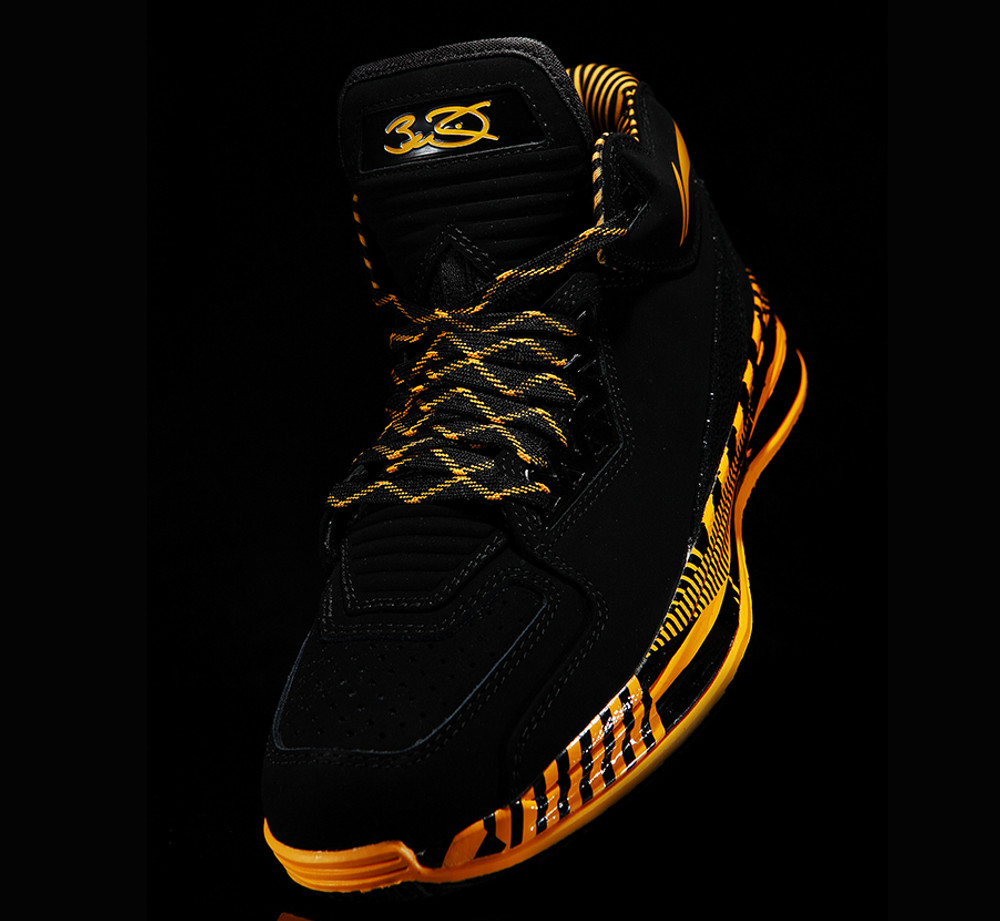 LI-NING WoW 2.0 Caution