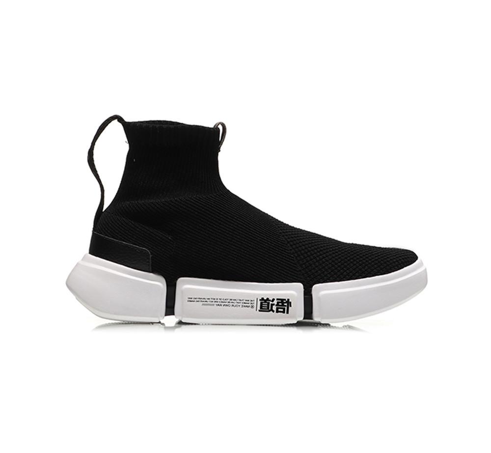 Wade Essence 2 New York Fashion Week Black/White