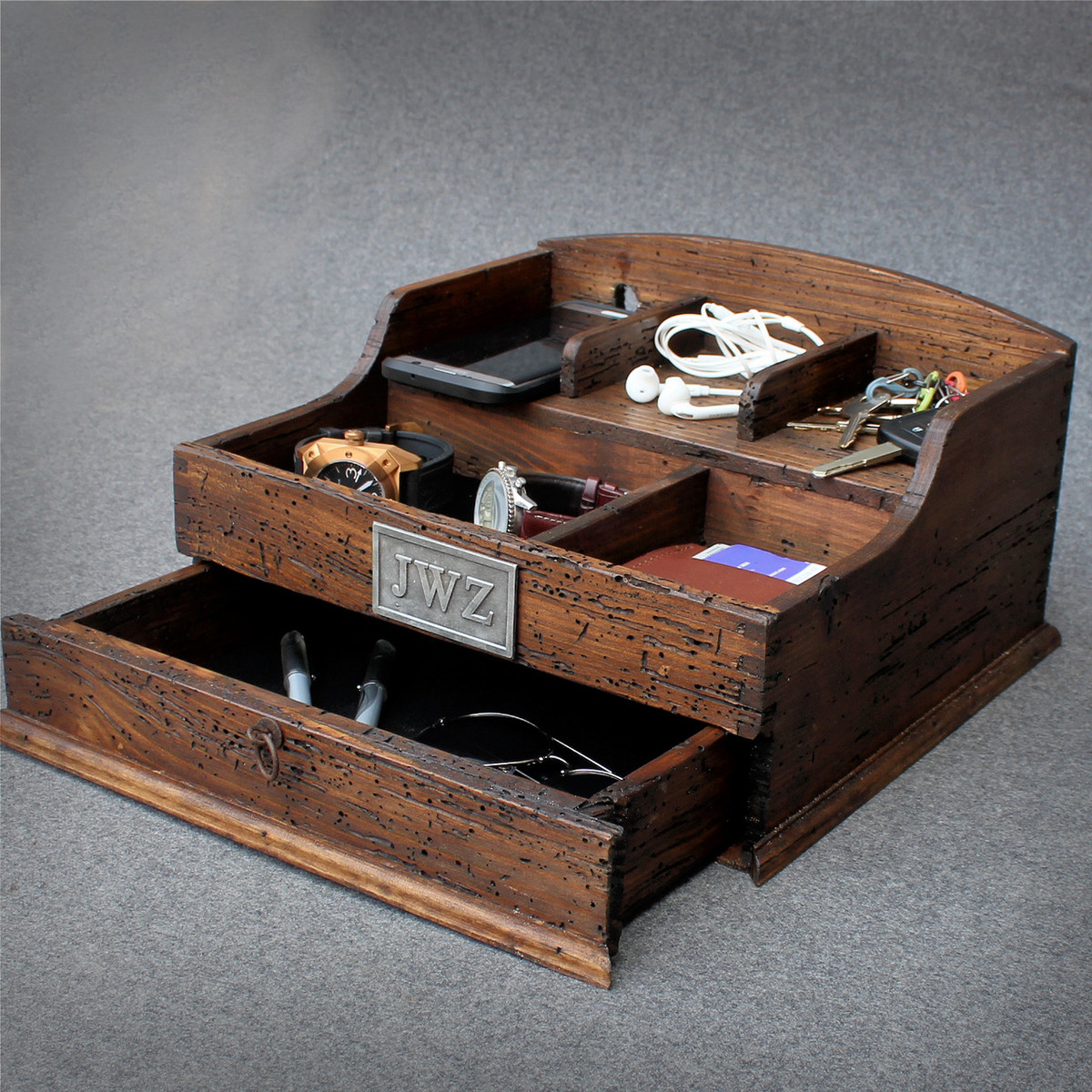 Men's Valet Box with charging station - Deferichs