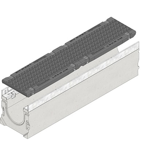 FASERFIX SUPER 150 channel drain with two E600 ductile iron mesh gratings.
