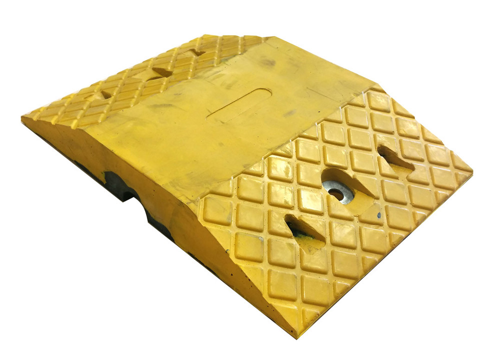 Rubber Speed Hump Section 250mm wide (250x345x50)