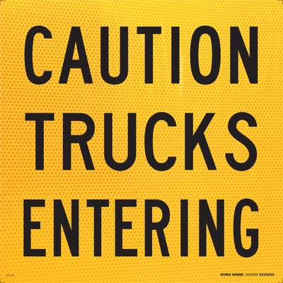 CAUTION TRUCKS ENTERING 600x600 Corflute HI-INT BLK/YLW