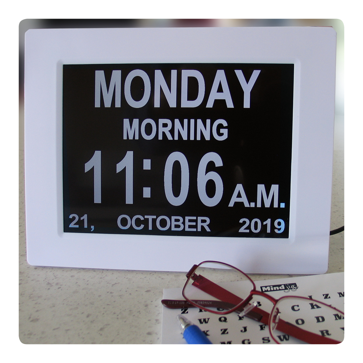 digital-day-clock-glasses-puzzle.jpg