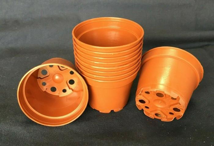 Plastic Pots, TO6D, Poppelmann 6 cm. Lot of 10 New
