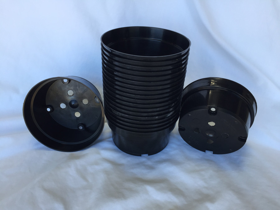 Lot of 20, Five Inch Black Plastic Bulb Pans