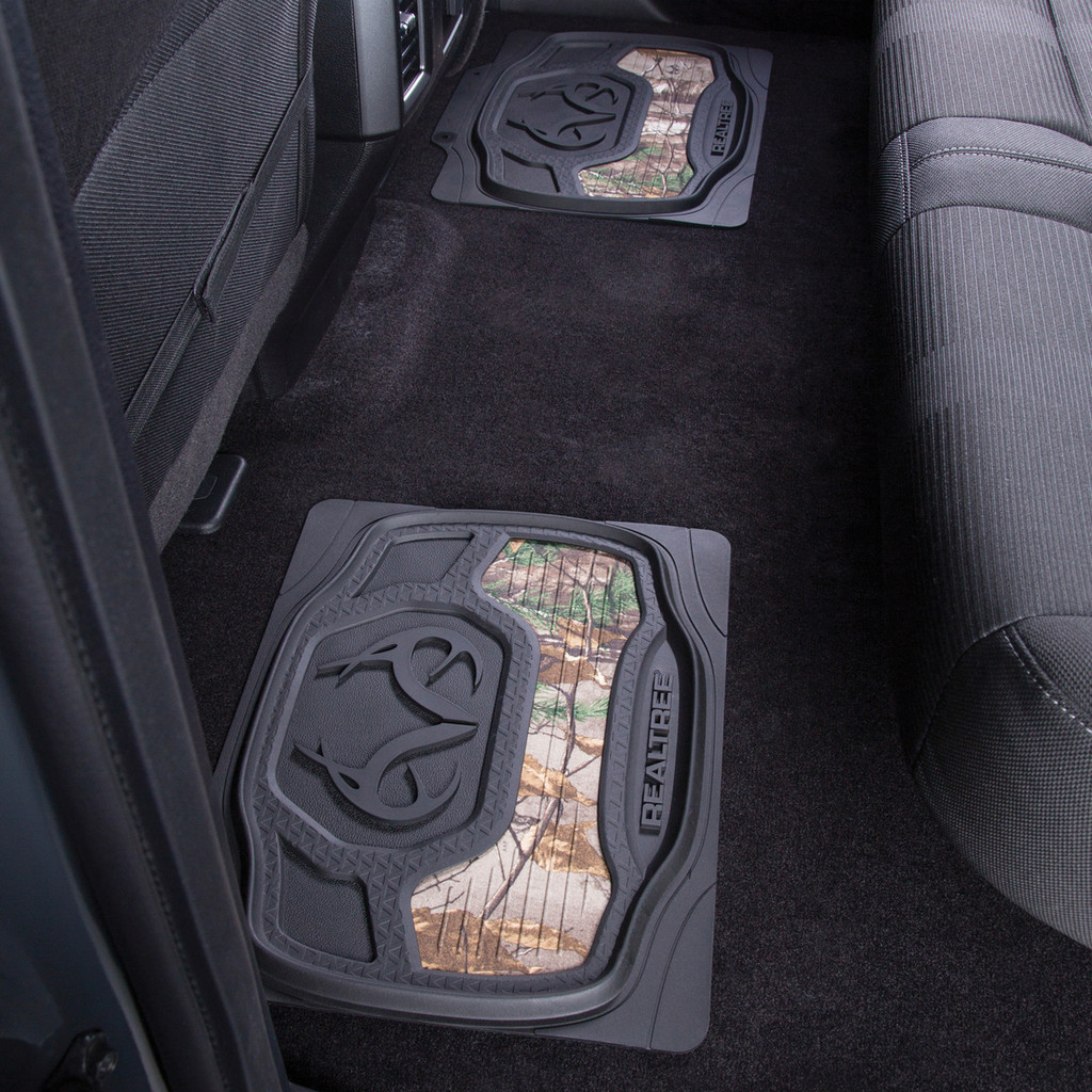 Realtree Xtra Camo 2-Piece Rear Floor Mats In Use