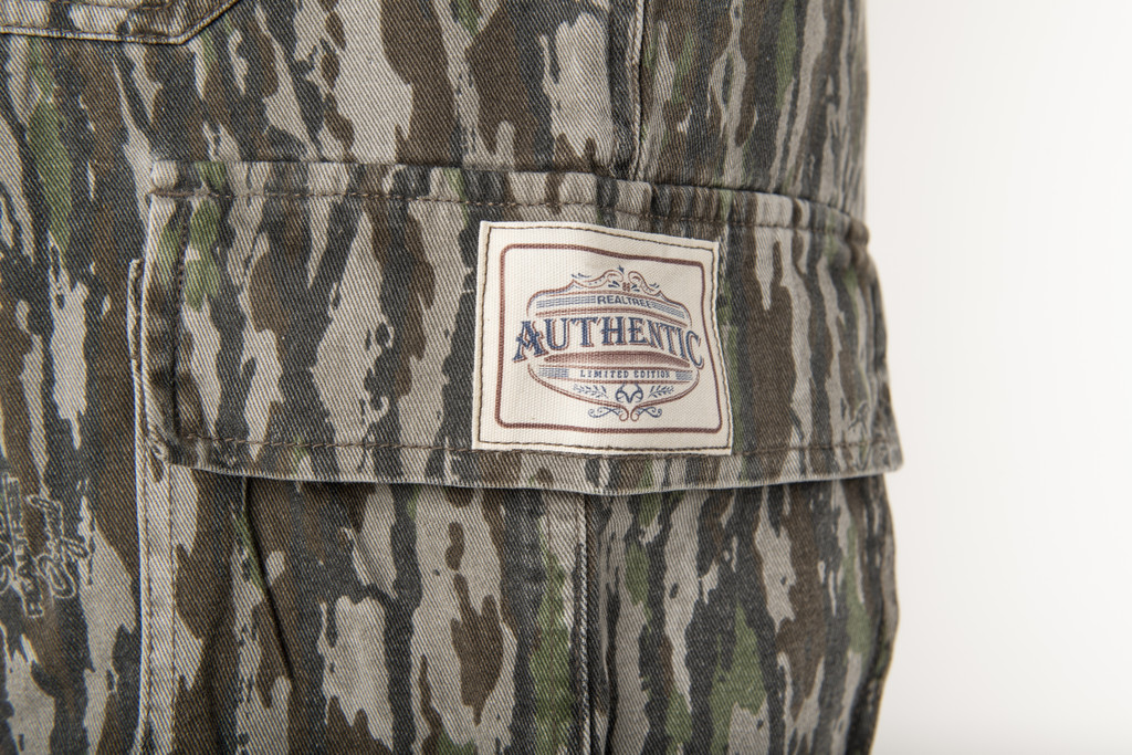 Realtree Original Men's 6 Pocket Cargo Short Patch