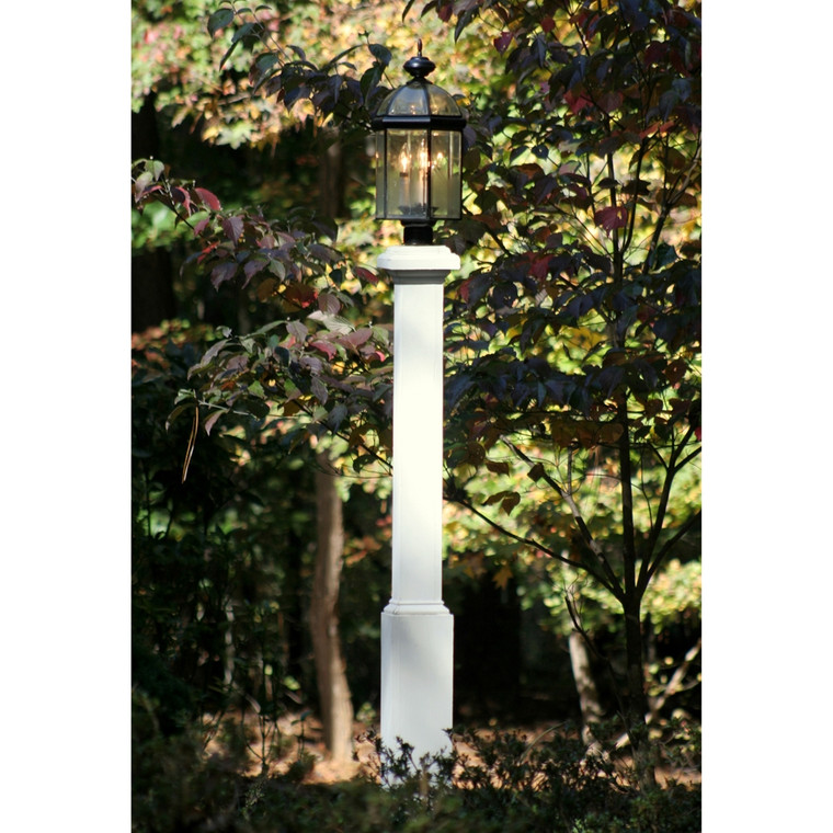 Traditional Lamp Post