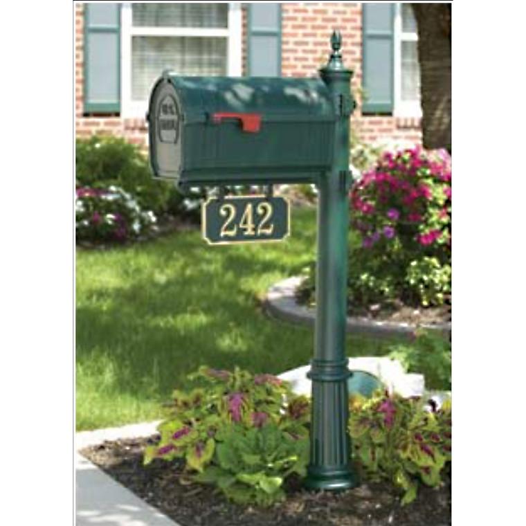 Hanover Lantern M136 Pine Valley Mailbox with Address Sign