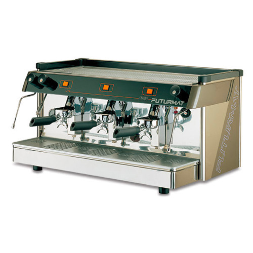 The classic Ariete has long been a gas fired favourite. Available as a semi-automatic two group machine the three kilo solid brass Group Heads with infusion-extraction system.