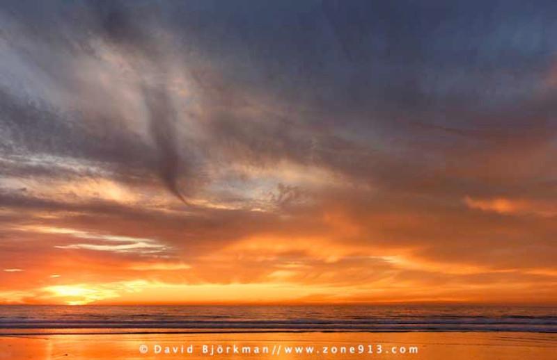(q)   King Tides Sky
