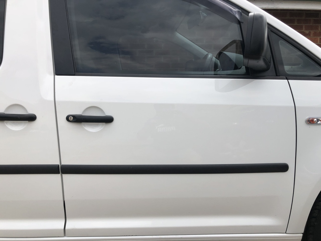 Volkswagen Caddy 2008 2014 Used Rhf Door Shell In White Paint Code