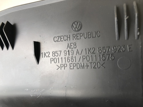 VW GOLF MK5 2005-2007 USED GLOVE BOX LOCATED ON DRIVERS SIDE 1K2857919A