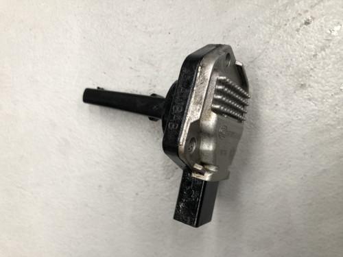 BMW E90 320I USED RADIATOR BOTTLE 1713 7 519 368 - Parts 4 European Cars
