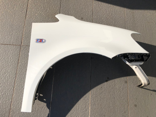 VW CADDY 2010-2015 USED RH GUARD IN WHITE