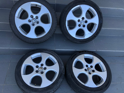 VW POLO 9N GTI USED 16 INCH MAG WHEELS WITH TYRES 6Q0 601 025 AA