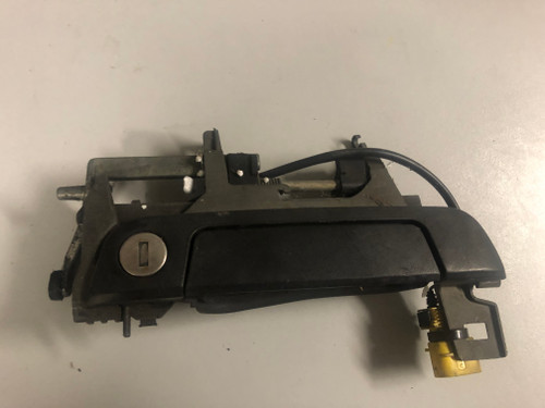 BMW E36 USED RHF OUTER DOOR HANDLE ONE WIRE TYPE