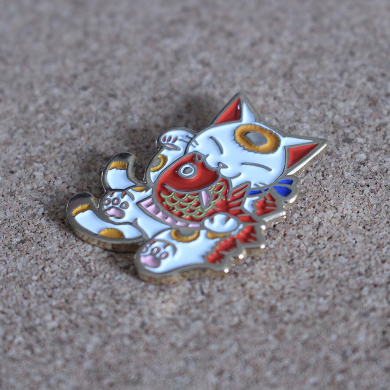 Negora and Koi Pin : White and Gold