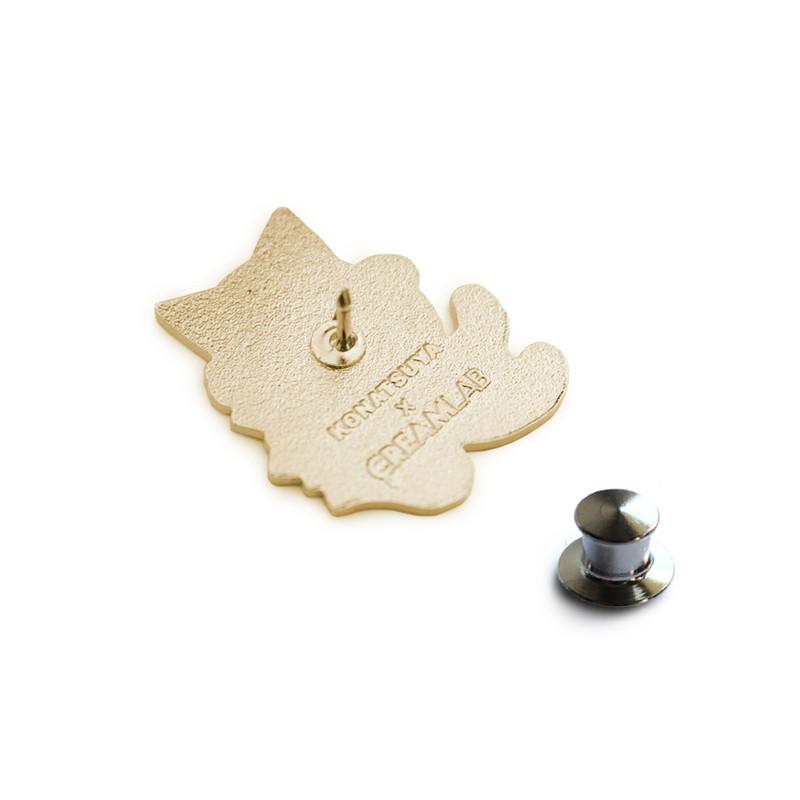 Negora and Koi Pin : Black and Gold