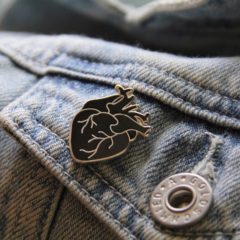 Silver Coeur Noir (Black Heart) Enamel Pin