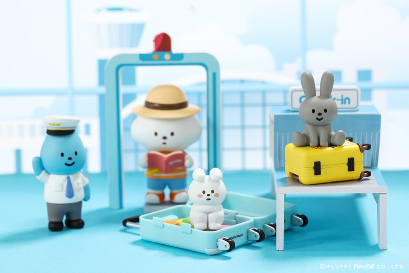 Mr. White Cloud Mini Series 5 Fluffy Airlines : Blind Box SHIPS EARLY JUN 2019