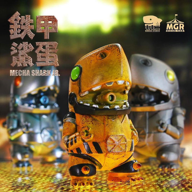 Mecha Shark Jr. Engineer by Momoco PRE-ORDER SHIPS AUG 2019