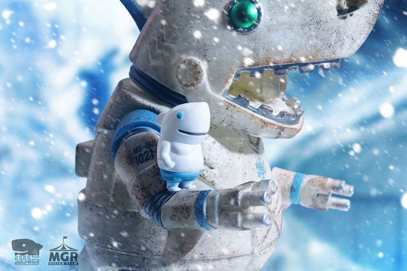 Ironclad Shark and Mecha Tank Shark Jr. Snow Fight by Momoco