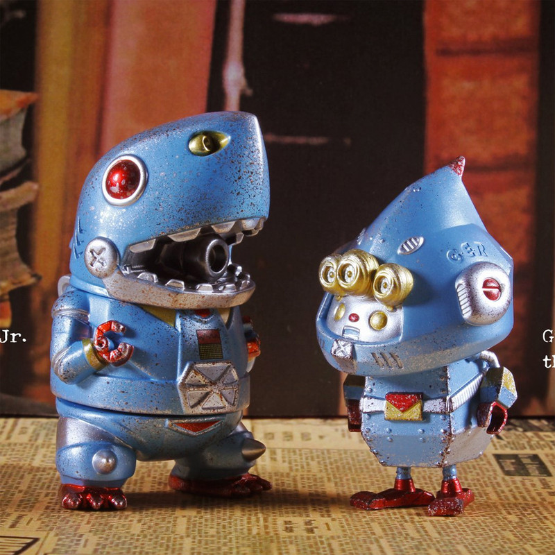 Mecha Shark Jr. and Green Elf the Signaller Vintage Clockwork Toy Version by Momoco and Two Hands Studio
