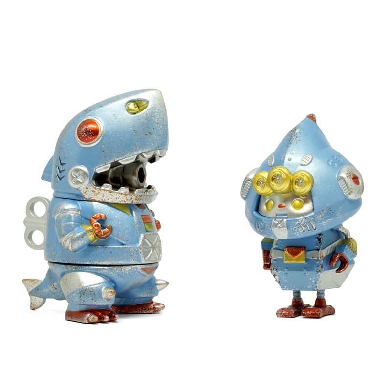 Mecha Shark Jr. and Green Elf the Signaller Vintage Clockwork Toy Version by Momoco and Two Hands Studio