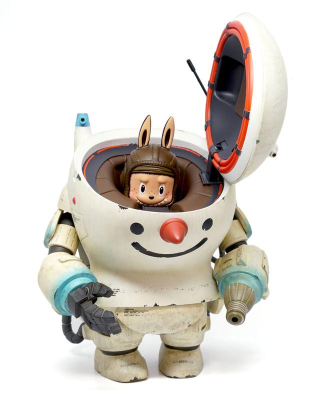 Maschinen Snowman by Kasing Lung X Kow Yokoyama