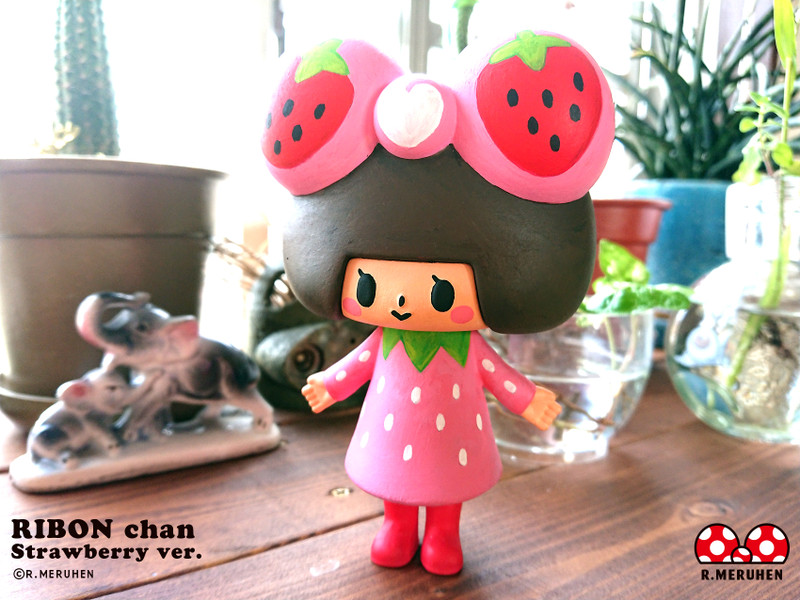 Ribon-Chan Strawberry Ver. Hand Painted by Rieko Meruhen