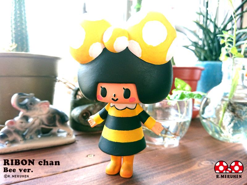 Ribon-Chan Bee Ver. Hand Painted by  Rieko Meruhen