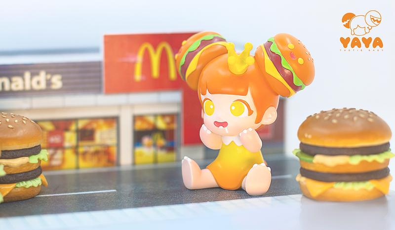 Yaya Burger Orange by Moe Double Studio PRE-ORDER SHIPS SEP 2020