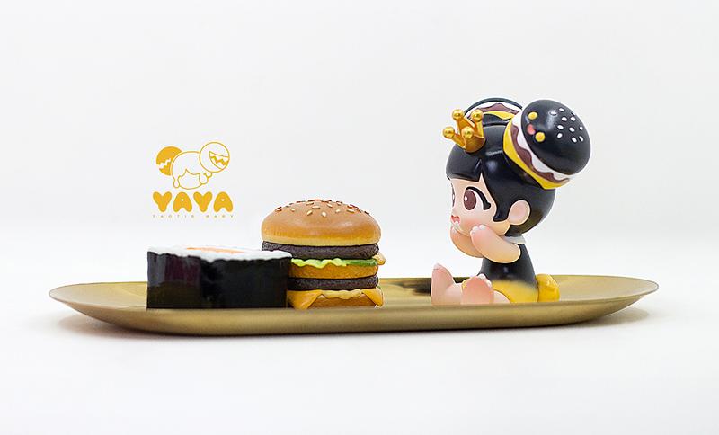 Yaya Burger Black by Moe Double Studio PRE-ORDER SHIPS SEP 2020