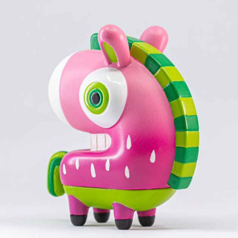 Look Back Horse Strawberry by Sean Studios PRE-ORDER SHIPS JAN 2021