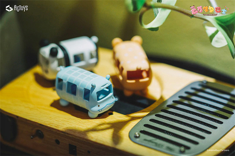 Animal Bus Blind Box PRE-ORDER SHIPS JUN 2021