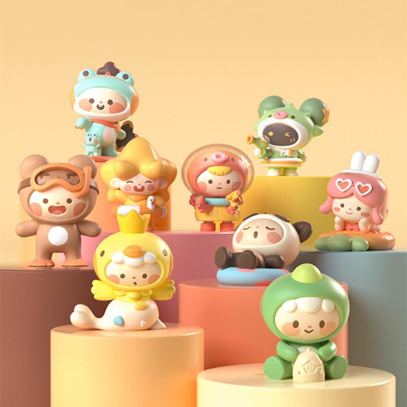 Mini Holiday Blind Box by Miniworld PRE-ORDER SHIPS JUN 2021