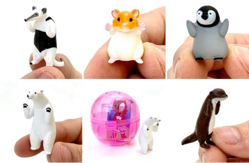 Peeking Animals Capsule Toys