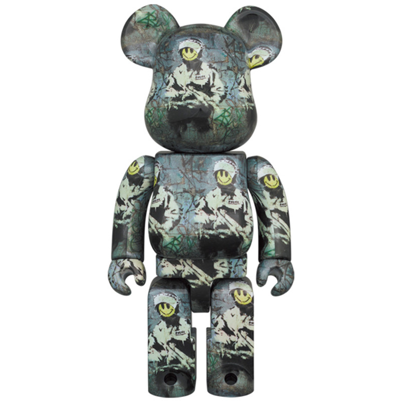Be@rbrick 400% and 100% Riot Cop PRE-ORDER SHIPS APR 2022