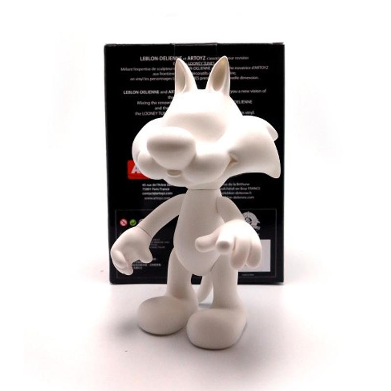 Sylvester : DIY White