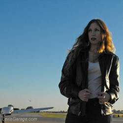 feature-301-lg-lexi-at-the-general-aviation-airport