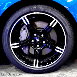 feature-312-lg-wheel-of-blue-ford-mustang-california-special
