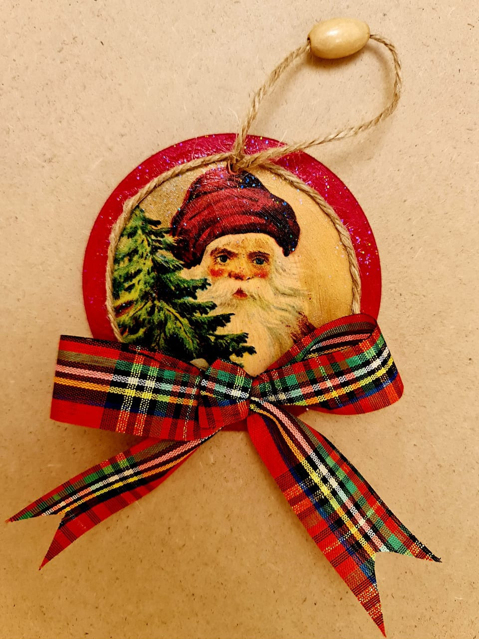 Wooden Santa Head with Tartan Bow & Rope