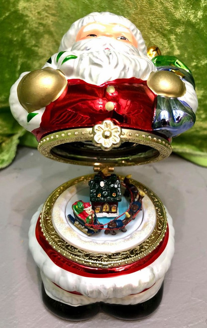 Flip-top Wind-up Ceramic Santa Music Box w Rotating Sleigh Scene