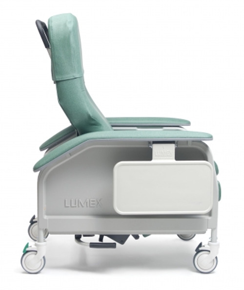 The Lumex Deluxe Clinical Care Recliner FR566G series sets a new standard of comfort for the patient and ease of use for the caregiver. It is immediately apparent that this model was designed with input from both patients and caregivers to provide the ultimate in comfort, convenience and safety.