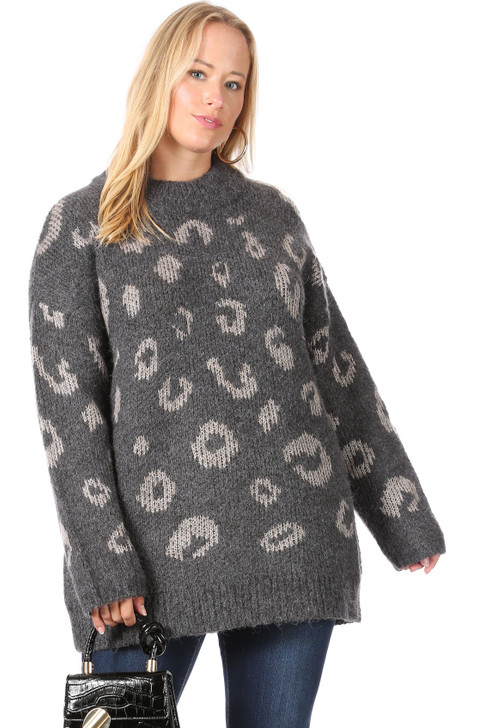 Wholesale Long Grey Knitted Pattern Sweater (Front)