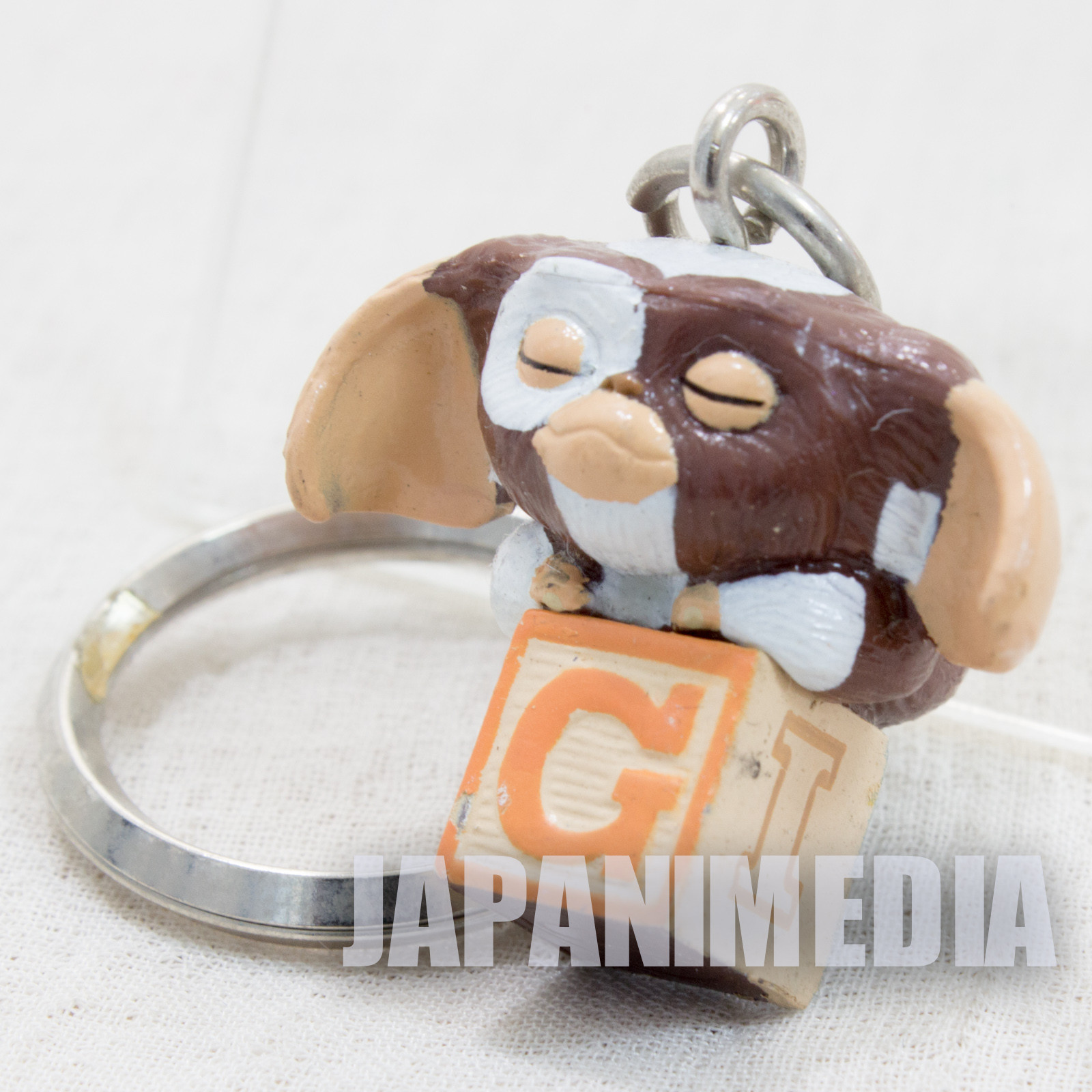 Gremlins Gizmo on Block Mascot Figure Keychain #1 JAPAN